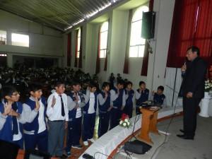 Alumnos del nivel secundario que decidieron entregar su vida a Cristo por medio del bautismo.