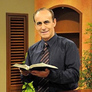 Pastor Robert Costa