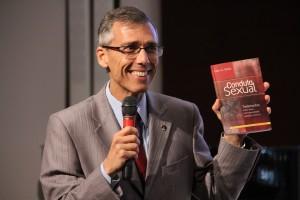 """Iglesia Adventista y amigos están invitados a leer el libro """"Conducta Sexual"""", de Ellen G. White."""