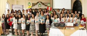 Heather Dawn Small (líder mundial), Wiliane Marroni (líder sudamericana) junto a esposas de pastores del Norte de Ecuador.