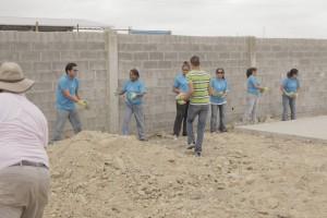 Ya se está construtyendo el área de recreación para una escuela adventista local.
