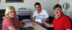 Firma del convenio para la obtención de la Radio Nuevo Tiempo, en Paraguay.