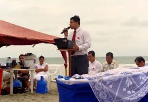 Vinicio Marcillo, pastor distrital de la Península en Playas habla de la importancia de la comunión con Dios.