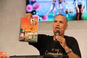 Pr. Miguel Pinheiro presenta el Seminario de Enriquecimiento Espiritual 5, cuyo tema es Comunión y Profecía.