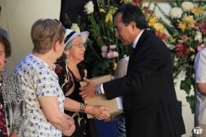 Pastor Ogalde recibe donaciones para Más Amor en Navidad, programa de ADRA.