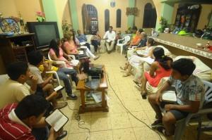 Durante la reunión del Grupo Pequeño.