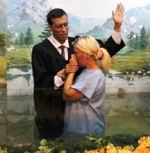 Alicia, docente del Centro Educativo Adventista, entrega su vida al Señor.