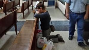 En Argentina, las iglesias adventistas abiertas recibieron visitas de personas necesitadas de oración. Muchas de ellas visitaban por primera vez los templos.