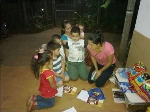 Hasta los niños, en Paraguay, se unieron en oración.