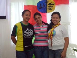 """Líderes de jóvenes """"Las Tres Mosqueteras""""; Sofía, Zulema y Daniela"""