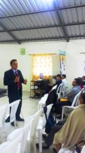 En Tumbaco, el Pr. David Ayora, líder de jóvenes para la Misión Ecuatoriana del Norte, enfatizó sobre la importancia que tienen los jóvenes en el plan de evangelismo de la iglesia.