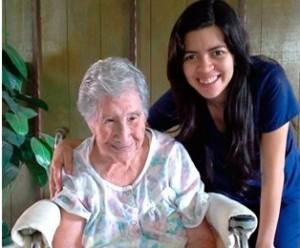 Francielly Nunes, fisioterapeuta graduada de la Facultad Adventista de Bahía, es voluntaria en el Hospital Adventista de Valle de Ángeles, en Tegucigalpa.