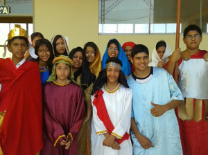 Escenas de la vida de Cristo redimen a estudiantes no adventistas1
