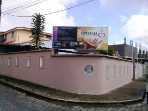 Las iglesias en el norte de Ecuador, ya tienen en sus fachadas las invitaciones para lo que será la Semana de la Familia