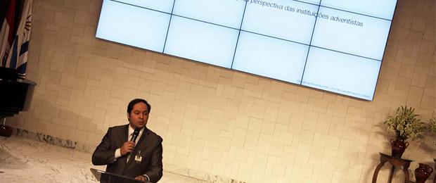 Luiz Henrique mostró que la gerencia de crisis inicia justamente con iniciativas concretas para evitar problemas.