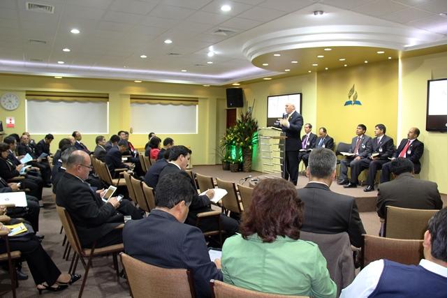 Líderes se reúnen en Junta Plenaria para realizar acuerdos para el avance de la obra adventista en el sur del país.