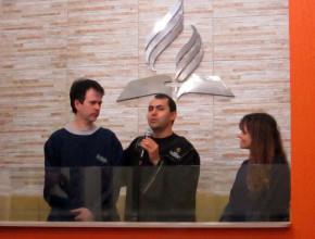 El cineasta y su esposa se bautizaron el mismo día.