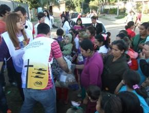 Las familias afectadas por las crecientes de los ríos fueron las beneficiadas del proyecto de amor de los Jóvenes Adventistas.