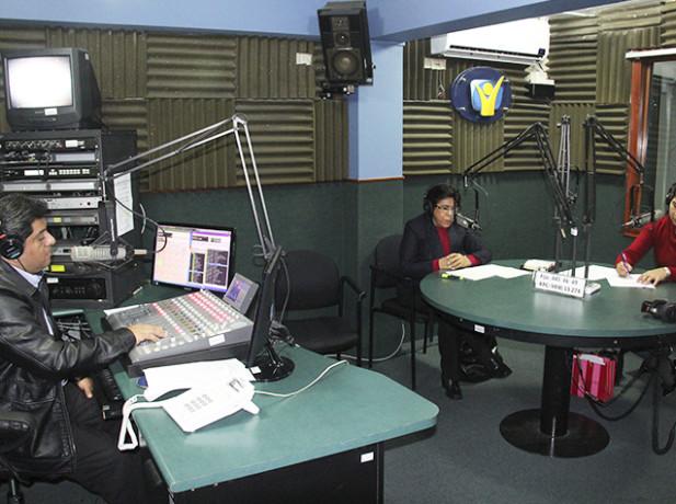 """Especialista en Terapia Familiar presenta entrevista radial en el marco de """"Rompiendo el Silencio""""."""