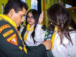 El Día del Conquistador fue también la oportunidad de investir a los Aspirantes y Líderes de Conquistadores que han participado en las actividades realizadas durante el año, entregándoles la insignia que certifica la aprobación de las disciplinas superadas.
