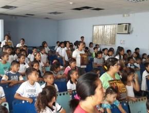 Escuela Adventista Lago Agrio, recibe capacitación sobre la prevención del abuso infantil
