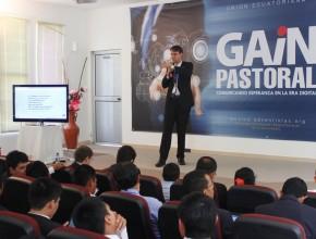 Felipe Lemos, Asesor de Prensa de la Iglesia Adventista en Sudamérica exponiendo la importancia de publicar noticias de relevancia social