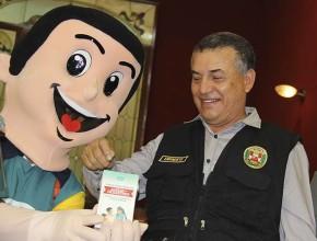Titular del Ministerio del Interior del Perú felicitó el  trabajo que realiza ADRA - Perú en favor de los menos beneficiados.