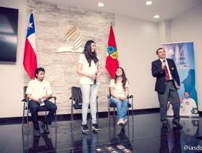 """Presentación de los jóvenes """"Un Año en Misión, Isla de Pascua"""" por el Líder del Ministerio Joven de la Unión Chilena, pr. Juan Fernández."""