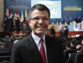 El Pr. Luis Mário ya trabajó en tres uniones diferentes en Brasil.