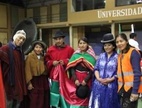Minutos antes del desfile de todos los departamentos de Bolivia