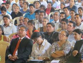 Personas asistiendo al Seminario de Liderazgo dirigido por el Dr. Pedro H. Morales, Coach de Organizaciones Multinacionales y Gobiernos.