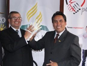 Pr. Julio Medina, líder de la Iglesia adventista para el centro peruano, y Mg. Ángel Unchupaico, presidente regional de Junín, comprometidos con Misión Caleb.