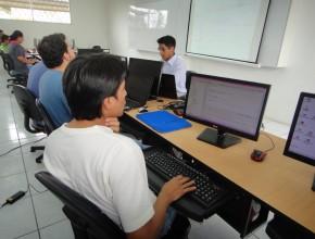 La instrucción estuvo a cargo del Msc. David Mamani, Director de Planificación de la Universidad Peruana Unión
