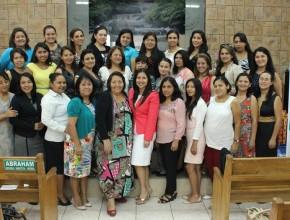 Cerca de 40 esposas de pastores participaron del concilio: YO SOY UN REGALO DE DIOS