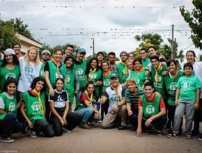 Trabajo en equipo. Voluntarios de ADRA Argentina.