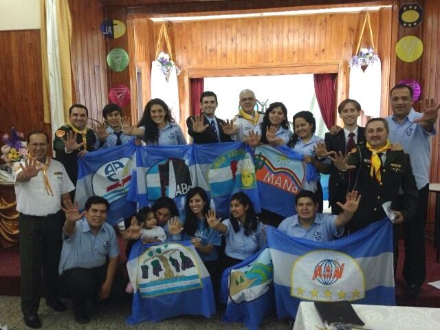 Grupo de jóvenes misioneros