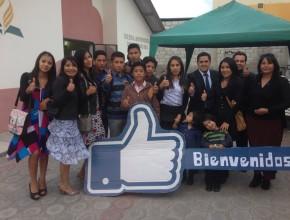 El Pr. Christian Gavilanes junto a jóvenes que decidieron servir a la iglesia por medio de las redes sociales