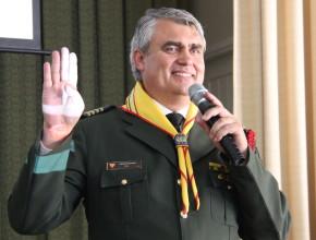 Pastor Udolcy en la implementación del sistema para consquistadores