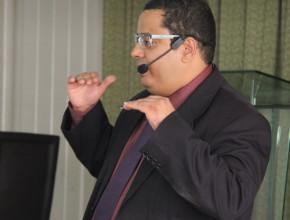 El invitado Rodrigo Dorval entrenando a los líderes