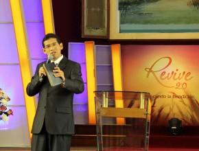 """Pr. Daniel Villar, orador de Revive 2.0 """"Buscando la Bendición""""."""