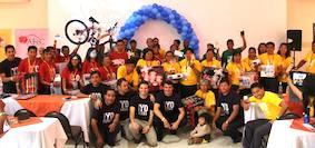 Colportores de Bolivia con sus premios