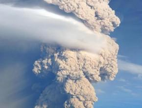 Volcán volvió a erupcionar hoy, 30 de abril, por tercera vez.