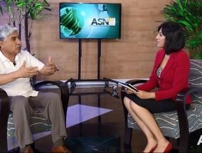 El Dr. José Medina, cirujano general de la Clínica Good Hope, da a conocer los beneficios de beber agua en cantidades suficientes.