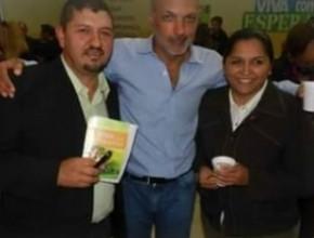 El Gobernador de la Provincia de Chubut, Martín Buzzi, visitó la Escuela Adventista de Como-doro Rivadavia.