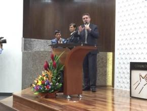 Primer bautismo en las nuevas instalaciones de Nuevo Tiempo, Perú; como resultado de la obra evangelística del medio.