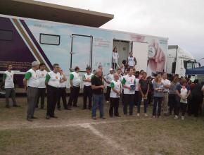 Presentación de la Unidad Móvil de Salud que contó con la presencia de líder locales y sudamericanos.