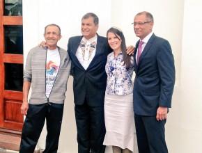 Aicardo Arrubla junto al Presidente Rafael Correa, Concejala Gabriela Brito y el Vicepresidente Jorge Glas.