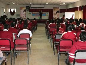 Adoptan colegios públicos para promover campaña Rompiendo el Silencio