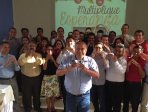 """Líderes de la Iglesia Adventista en Ecuador unidos en el programa """"Multiplica Esperanza"""""""